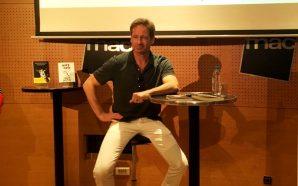 """David Duchovny: """"Em resulta molt més natural escriure que actuar"""""""