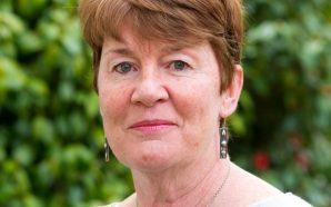 """Fiona Barton: """"Tenir secrets amb la teva parella forma part…"""