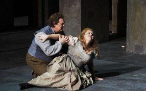 Manon s'avorreix al Liceu